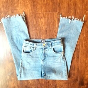 BDG Kickflare High Rise Cropped Jeans Size 26